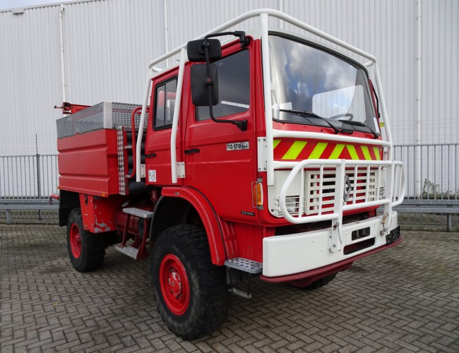 Renault 110-170 4x4 feuerwehr - fire brigade - brandweer - water tank Sides CCF4000 - Expeditievoertuig TT 3319