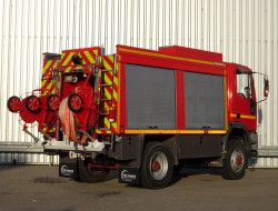 Iveco 95 E21 4x4 feuerwehr - fire brigade - brandweer - Rescue-Vehicle -3500 ltr. water tank- pomp - Lier, Wich, Winde TT 3782